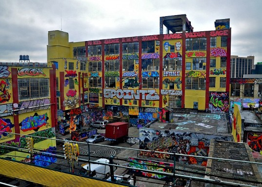 5-Pointz-Demolition-Queens-537x383